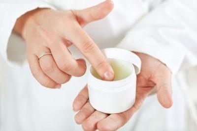 Цикламен лечебные свойства: ядовит он или нет, чем полезен и можно ли держать дома, а также какие есть лекарственные рецепты?