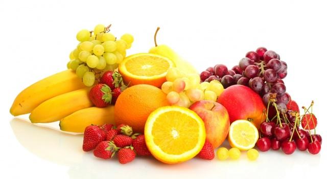 Лимон: это фрукт, овощ или ягода, где растение встречается в природе, как дерево выглядит на фото, а также как ухаживать за кустом в горшке в комнатных условиях?