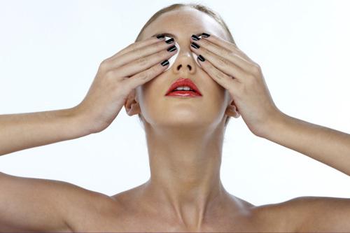 Алоэ для кожи вокруг глаз: польза от применения, рецепты масок из сока на ресницы, кубиков льда для устранения синяков под веками от удара, против мешков