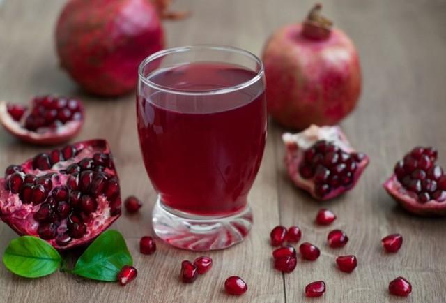 Можно ли беременным гранатовый сок: в каких случаях разрешено пить, а когда стоит отказаться, каковы польза и вред, как приготовить и чем улучшить вкус?