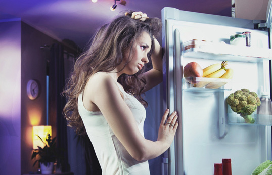 Лимон: сколько можно есть в день для лечения, что будет, если много или целый фрукт каждые сутки, или на ночь, почему хочется кислого, чего не хватает в организме?