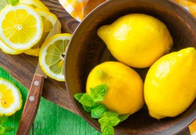 Можно ли лимон при грудном вскармливании: когда и как разрешено есть цитрус при ГВ, какая от него польза и вред для мамы и новорожденного, имеются ли ограничения?