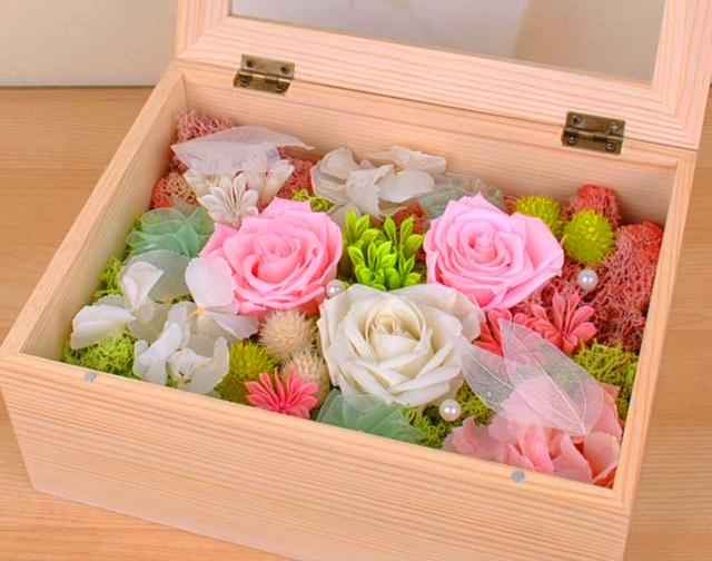 Вечная роза: фото неувядающих цветов, что это такое, можно ли сделать стабилизированные живые бутоны в домашних условиях, как законсервировать на стебле в глицерине?