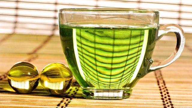 Настойка каланхоэ от варикоза и других недугов: рецепты приготовления средства на водке или спирте